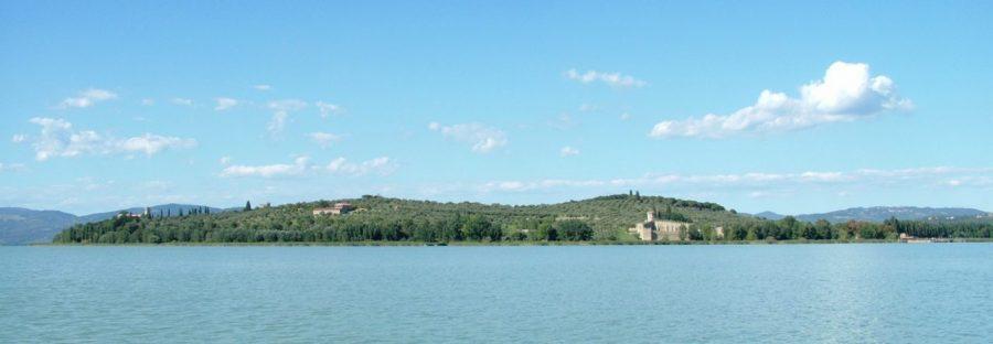 Panorama di Isola Polvese e del Parco del Lago Trasimeno